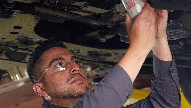 Changement d'huile Nissan à Montréal