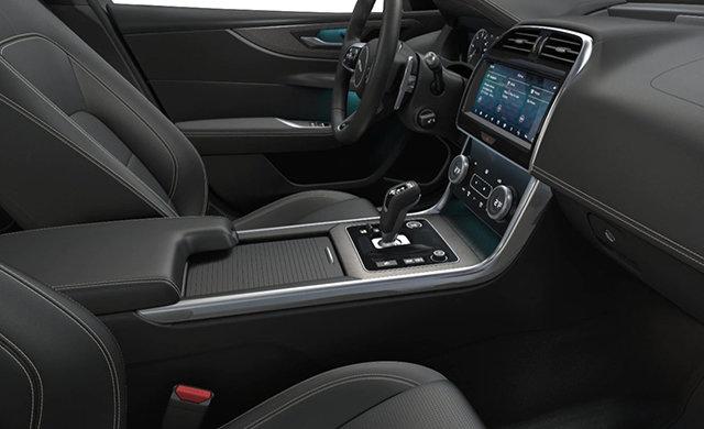Jaguar XE R-DYNAMIC  2020 - 3