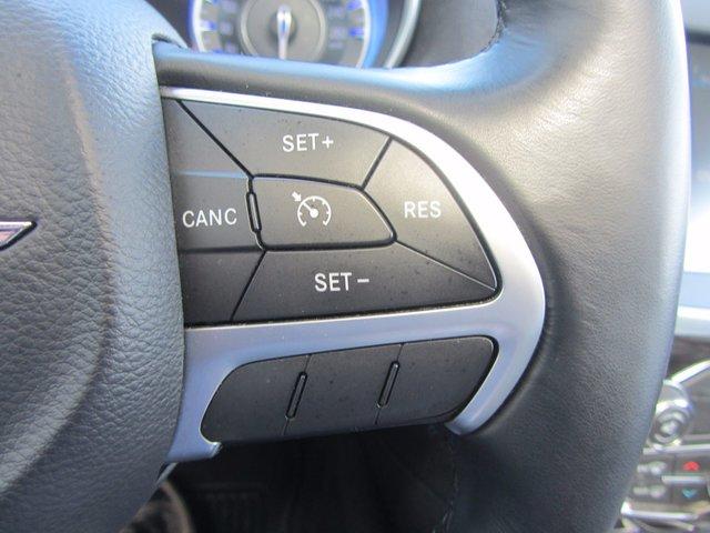 Chrysler 300 TOURING  awd 2015 TOUT EQUIPE