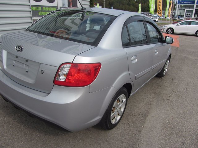 Kia Rio  2010 automatique A/C