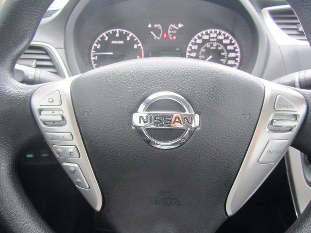 Nissan Sentra S 2015 TRES PROPRE