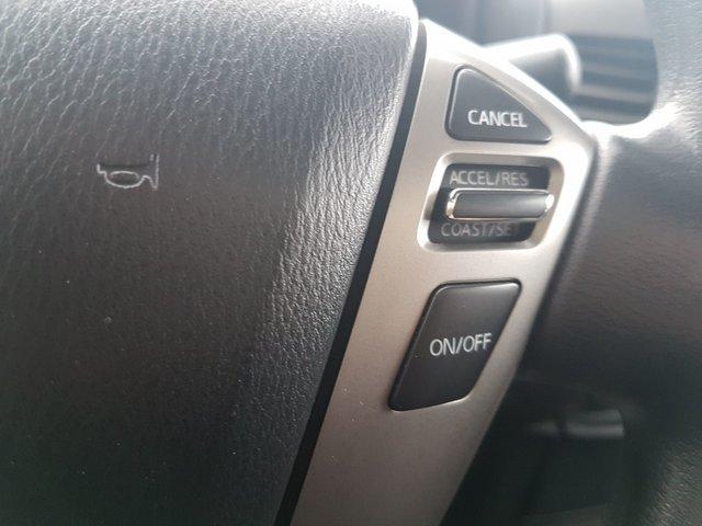 Nissan Titan  2013 TRES PROPRE