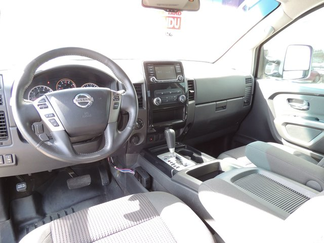 Nissan Titan SV 2015