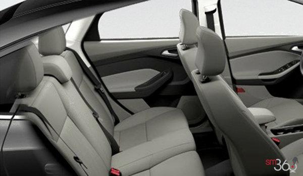 2016 Ford Focus Sedan SE | Photo 2 | Medium Light Stone Premium Cloth