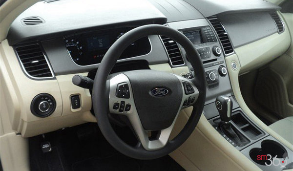 2017 Ford Taurus SE | Photo 3 | Dune Cloth