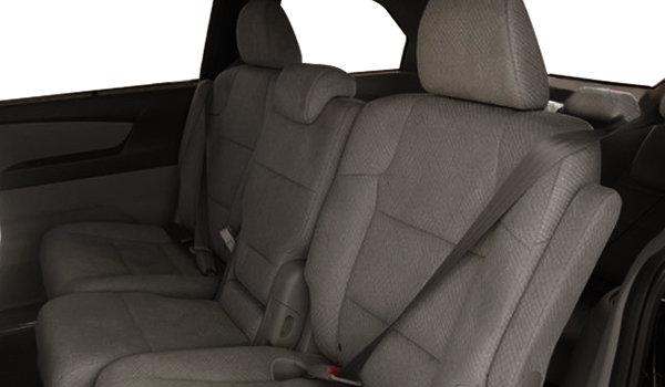 2017 Honda Odyssey SE | Photo 2 | Truffle Fabric