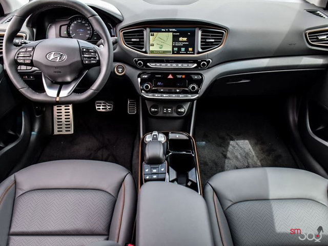 2017 Hyundai IONIQ electric LIMITED | Photo 3 | Black Leather