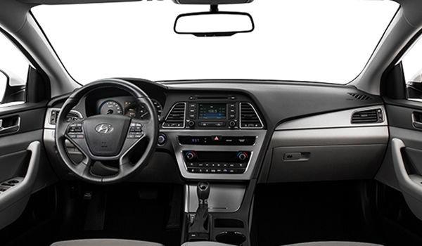 2017 Hyundai Sonata Hybrid BASE | Photo 3 | Grey Cloth