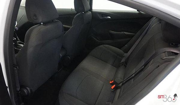 2018 Chevrolet Cruze LT | Photo 2 | Jet Black Cloth