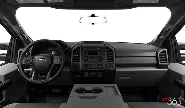2018 Ford Chassis Cab F-350 XL   Photo 3   Medium Earth Grey HD Cloth Bench (1S)