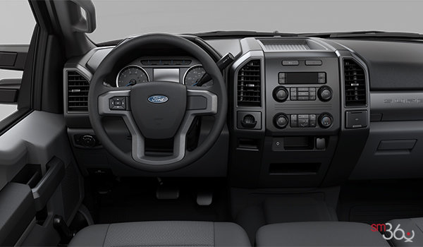 2018 Ford Chassis Cab F-450 XL   Photo 3   Medium Earth Grey HD Cloth Bench (1S)