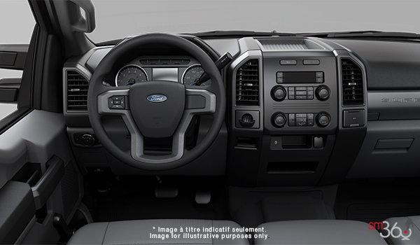 2018 Ford Chassis Cab F-450 XL   Photo 3   Medium Earth Grey HD Vinyl (LS)