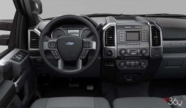 2018 Ford Chassis Cab F-450 XLT | Photo 3 | Medium Earth Grey Cloth Split Bench (3S)
