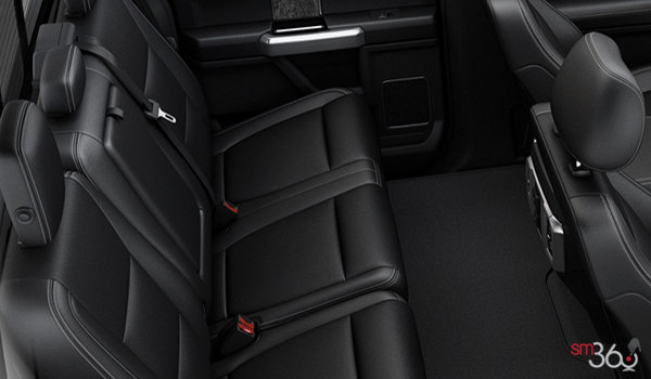 2018 Ford Chassis Cab F-550 LARIAT | Photo 2 | Black Premium Leather Captain's Chairs (5B)