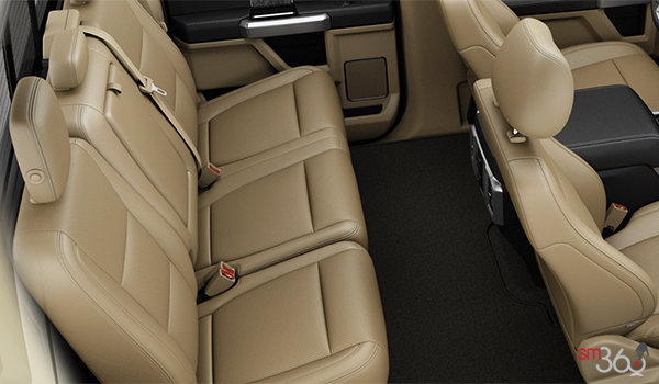2018 Ford Chassis Cab F-550 LARIAT | Photo 2 | Camel Premium Leather, Luxury Captain's Chairs (5A)