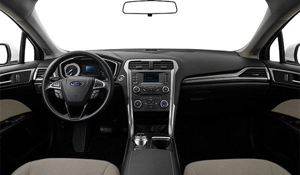 2018 Ford Fusion S | Photo 3 | Medium Light Stone Cloth (DE)