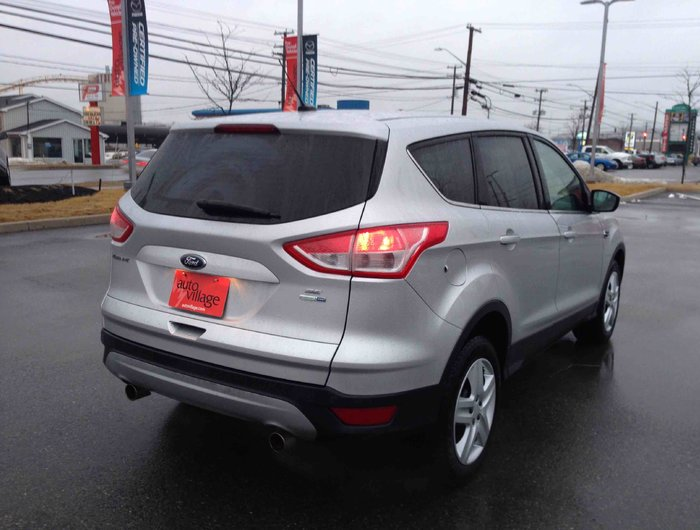 used 2013 ford escape se 147 b w all wheel drive se 147 b w all wheel drive for n. Black Bedroom Furniture Sets. Home Design Ideas