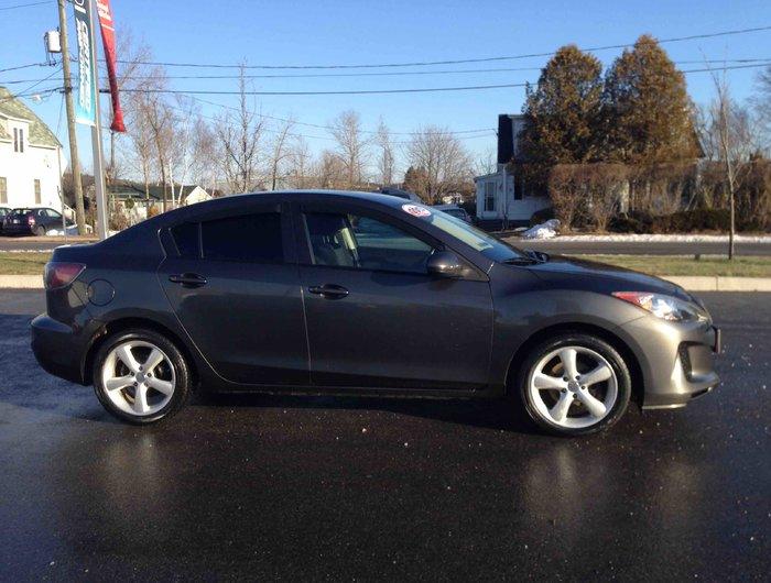 2013 Mazda Mazda3 GX..WINTER TIRES..$98 B/W..