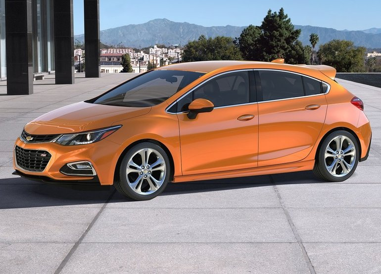 2017 Chevrolet Cruze: First-Look Review
