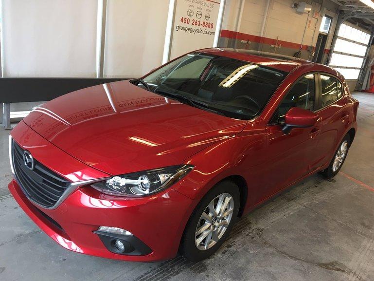 2015 Mazda Mazda3 Sport GS Siège chauffant et toit ouvrant