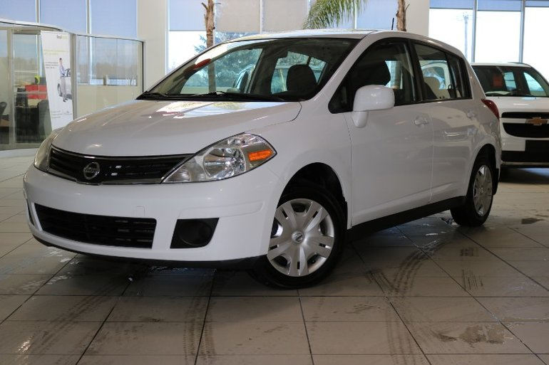 Nissan Versa S H.B. 2010