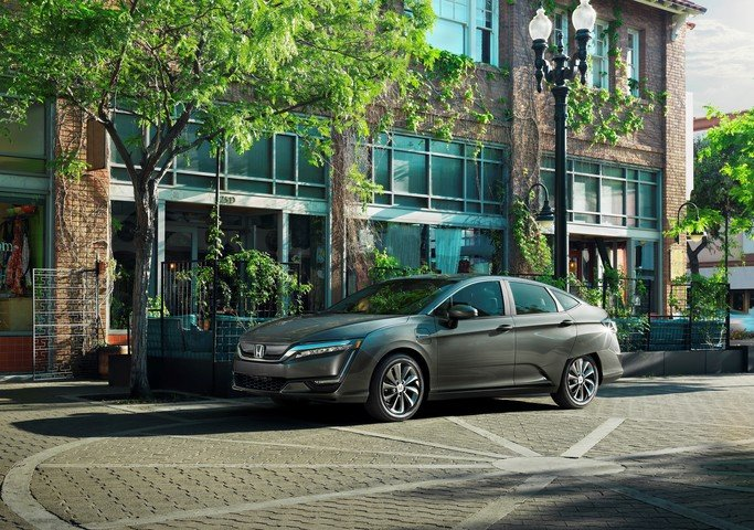The 2018 Honda Clarity is an Engineering Marvel in Hull, Quebec